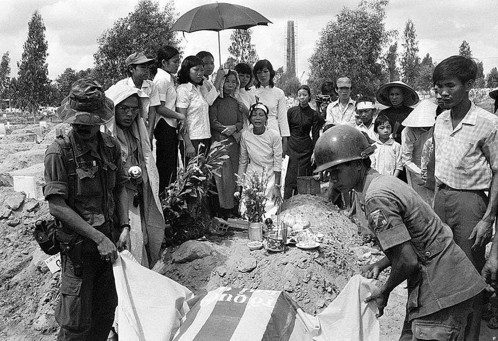 Mot Tu Si Su doan 18 bo binh an tang NTQD Bien Hoa ngay 29-3-1975 .jpg