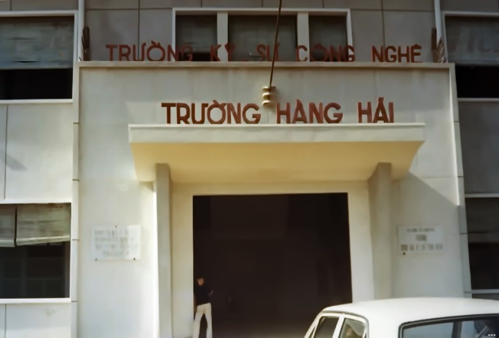 Truong hang hai, trung tam ky thuat Phu Tho.jpg