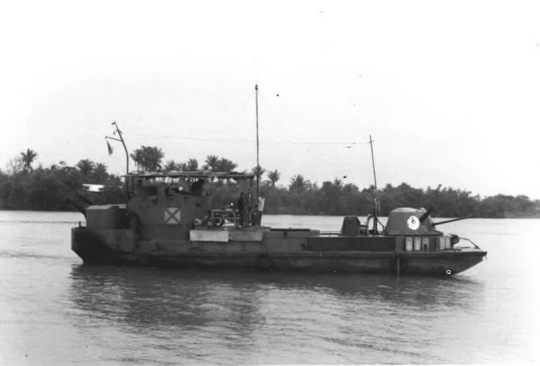 Người thủy thủ Giang Đoàn 21&33 Xung Phong – biển xưa