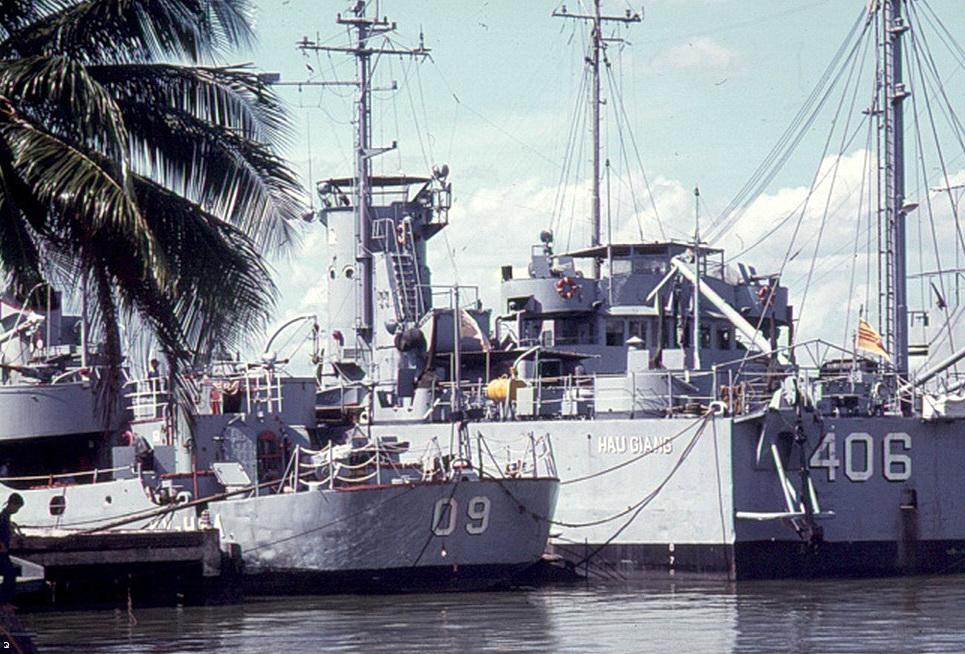 Ho Tong Ham Ky Hoa va Hai Van Ham Hau Giang HQ406.jpg