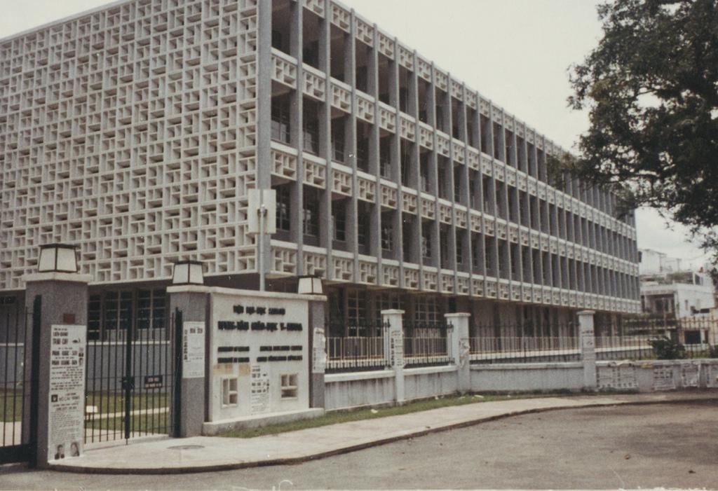 Lớp Y79Đ Trường Đại Học Y Dược: Trường Đại Học Y Khoa - 1968